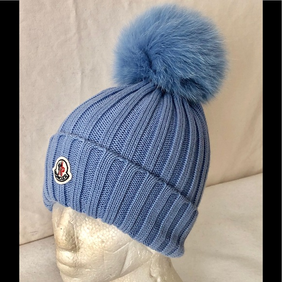 8fb05f80943 Moncler Virgin Wool Fox Fur Pompom Ribbed Beanie. M 5bf36afdf63eeac5cf90a48f